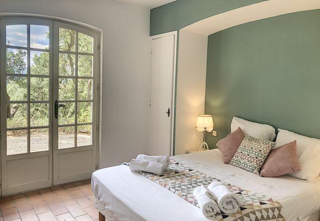 Villa à Le Plan-de-la-Tour - Villa LES CHÊNES-LIÈGE